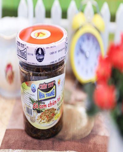 Cá cơm chiên tỏi - đặc sản Nha Trang